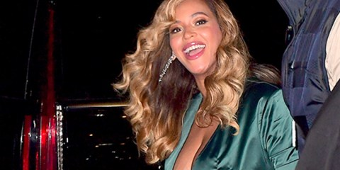 beyonce-flashes-spanx-diamon-ball-spl-ftr