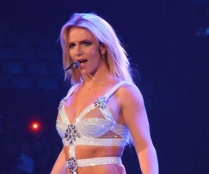 Britney_Spears_-_Femme_Fatale_Tour_(Toronto)