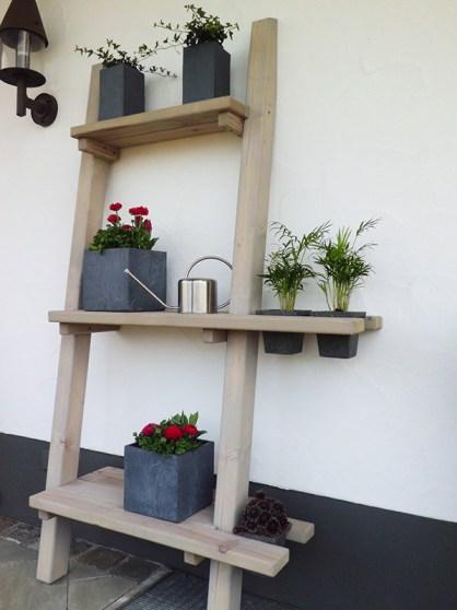 Blumenregal kreativ