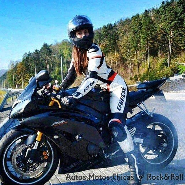 Mujeres en motos fotos 39