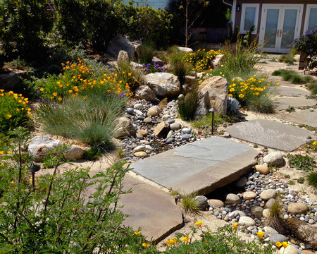 Garden Finance Pebble And Rock River Bed For Garden