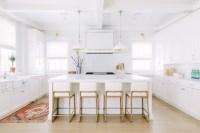 White Modern Farmhouse Interiors - Home Bunch Interior ...