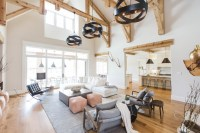Transitional Farmhouse Interior Design - Home Bunch ...