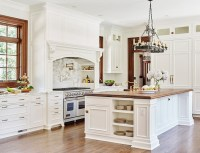 Southern Home with Neutral Interiors - Home Bunch Interior ...