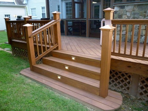 Simple Advices To Help You Building Deck Stairs Home