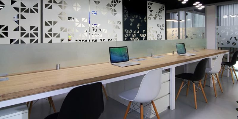 Reasons to hire an Interior Designer for your New Office Home