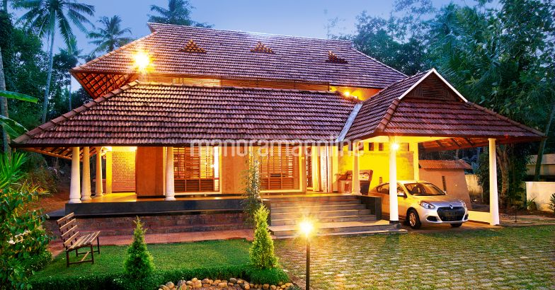 Kerala Traditional Home Design - Home Pictures