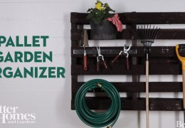 How to Make a Pallet Garden Organizer