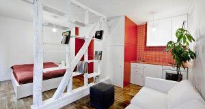 tiny apartment (2)