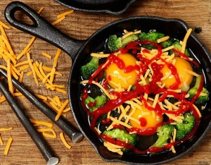 Eggs with sriracha hot sauce