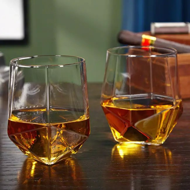 The 28 Best Scotch Glasses for an Extraordinary Home Bar
