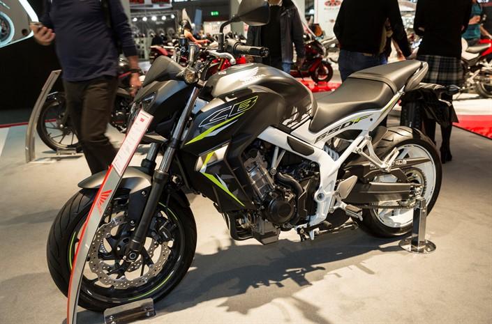 2016 Honda CB650F Review of Specs Naked Sport Bike StreetFighter