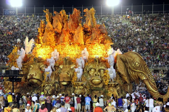 Amazing floats at Sambodromo, Rio