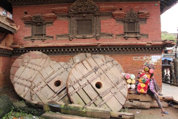 bhaktapur temple scene