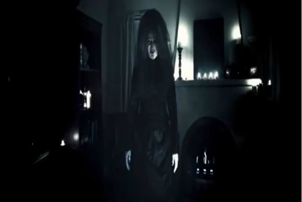 9. Insidious, Old woman, ending
