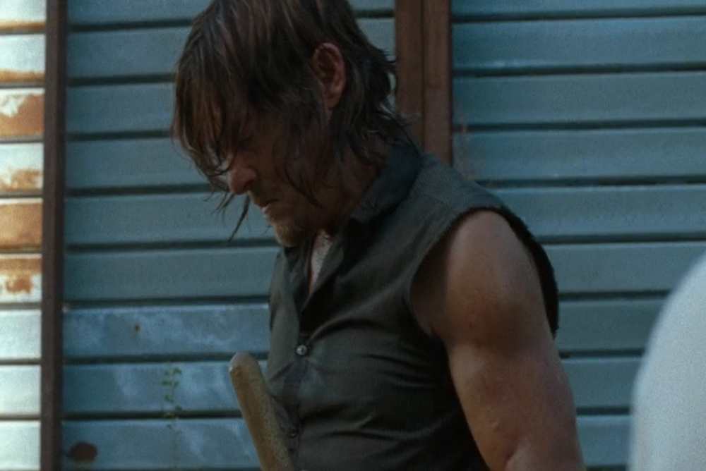 The impact of Denise's death hits Daryl while Tara's reaction is still unseen