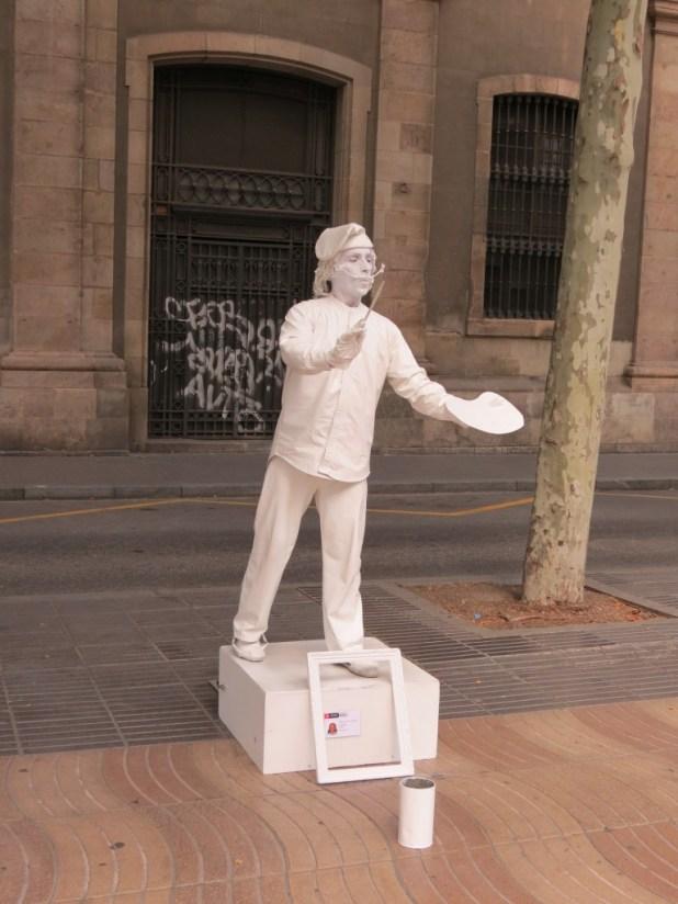 פסלים חיים ברחוב לה רמבלה