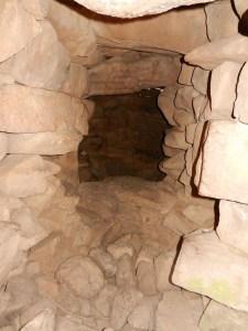 מבט אל חלל הקבורה מתוך המבואה צילום:Ani Nimi