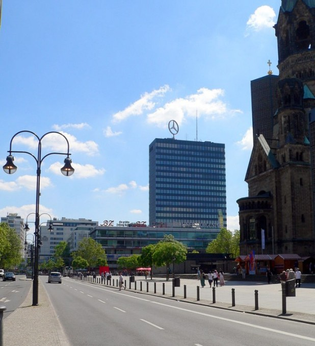Breitscheidplatz with Europa-Centerצילום: Fridolin freudenfett (Peter Kuley)