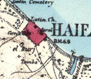 """בורג' א-סלאם במפת הקרן לחקר ארץ ישראל משנת 1880. מסומן El Burj משמאל למטה למלבן האדום של """"חיפה החדשה"""""""
