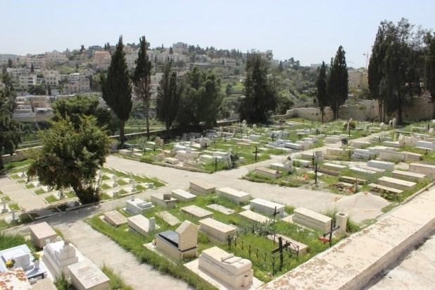 בית הקברות הנוצרי קתולי (לטיני) צילום: Kenyh