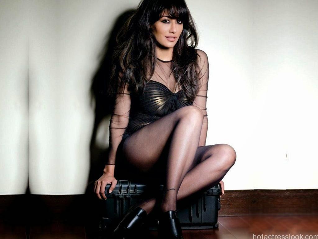 Mehwish Hayat Hd Wallpaper Chitrangada Singh Latest Sexy Photos And Wallpapers In Bikini