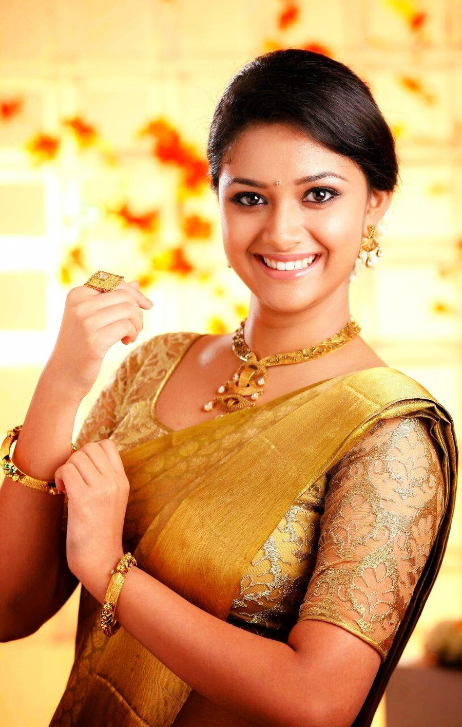 Hindi Movie Wallpapers With Quotes Keerthi Suresh Hot Amp Sexy Bikini Photos Images