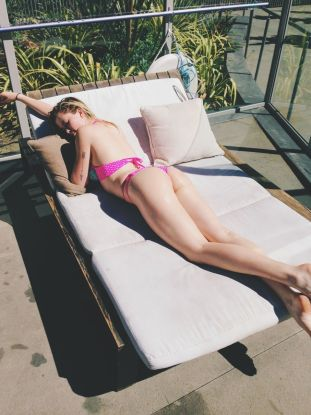 Ireland Baldwin 001