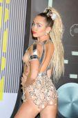 Miley Cyrus (27)