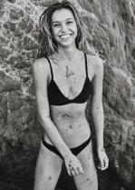 Alexis Ren (35)