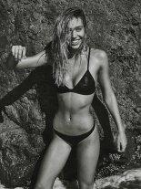 Alexis Ren (44)