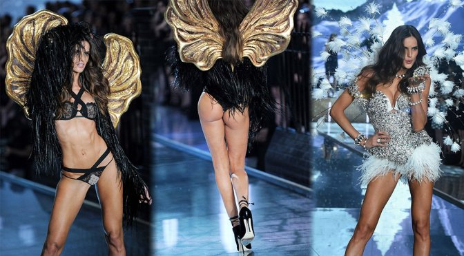 Izabel Goulart – 2015 Victoria's Secret Fashion Show