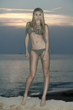Nicole Neal (2)