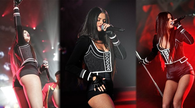 Selena Gomez – WiLD 94.9's FM's Jingle Ball 2015 in Oakland