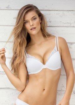 Nina Agdal (21)