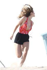 Bella Thorne (29)