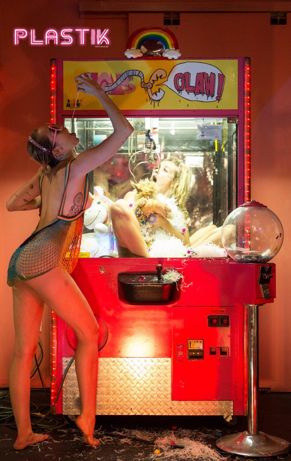 Miley Cyrus - Plastik