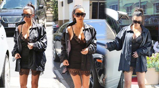 Kim Kardashian – Cleavage Candids in Westlake