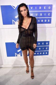 Kim Kardashian (21)