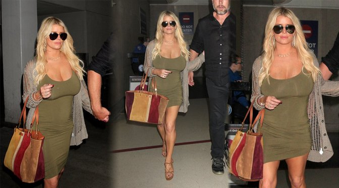 Jessica Simpson – Cleavage Candids in Los Angeles