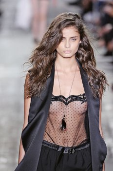 taylor-marie-hill-8