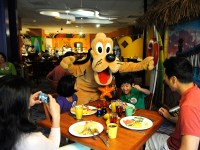 Disneyland Premium Character Dining   Guide Go