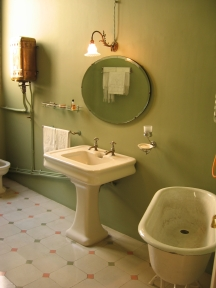 Bathroom_Green.jpg