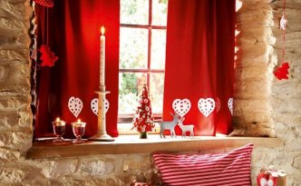Red and white xmas decor