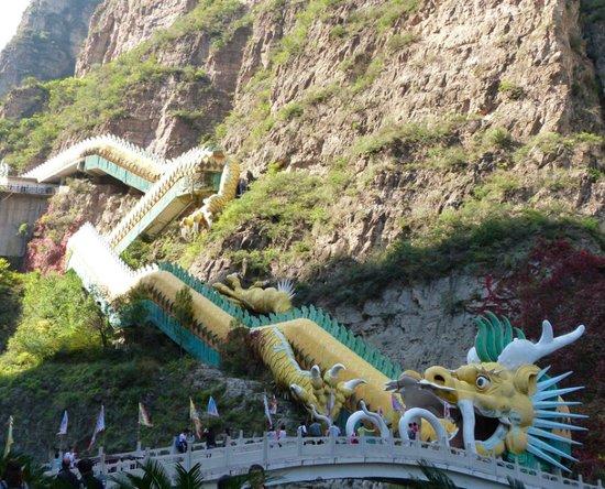 LongQIng XIa Gorge in China_1