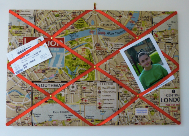 London map-inspired padded pin board