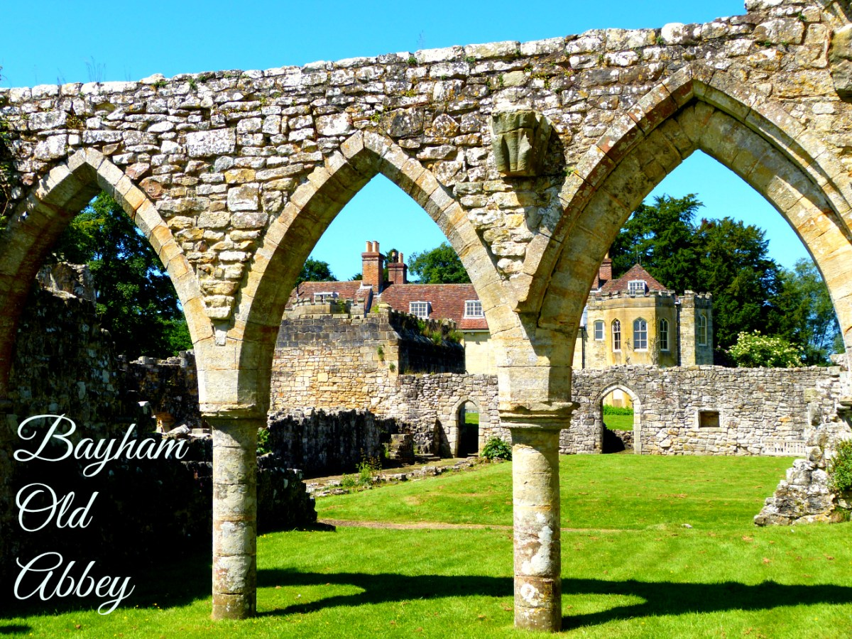 going local: picnic at the ruins of bayham old abbey : house of anau00efs