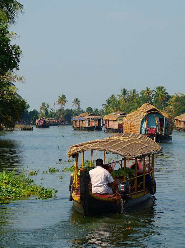 backwater boat hotel rainbow boats