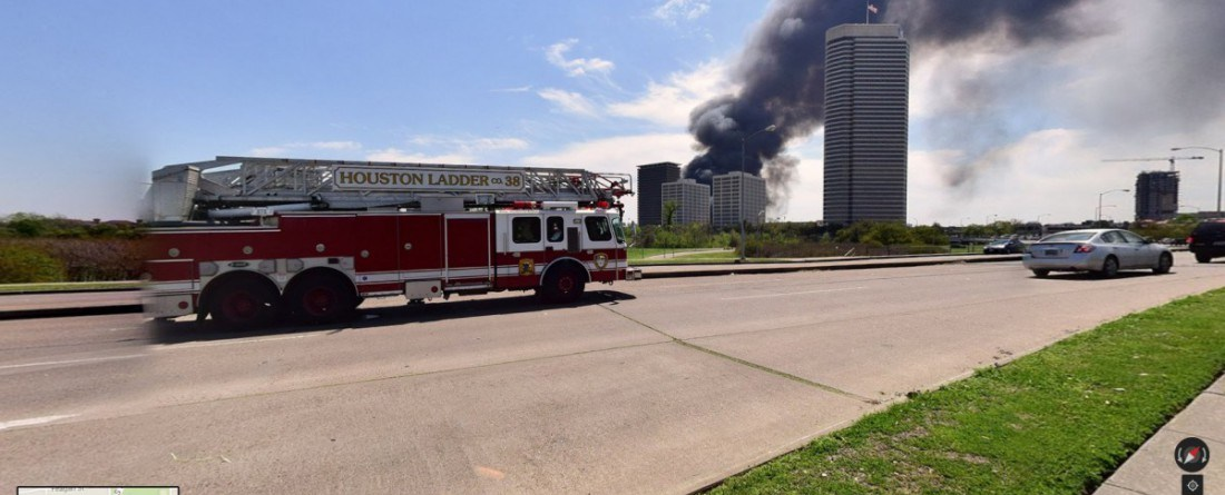 Houston Fire Department Races to Massive Apartment Building Fire on Dallas near Montrose