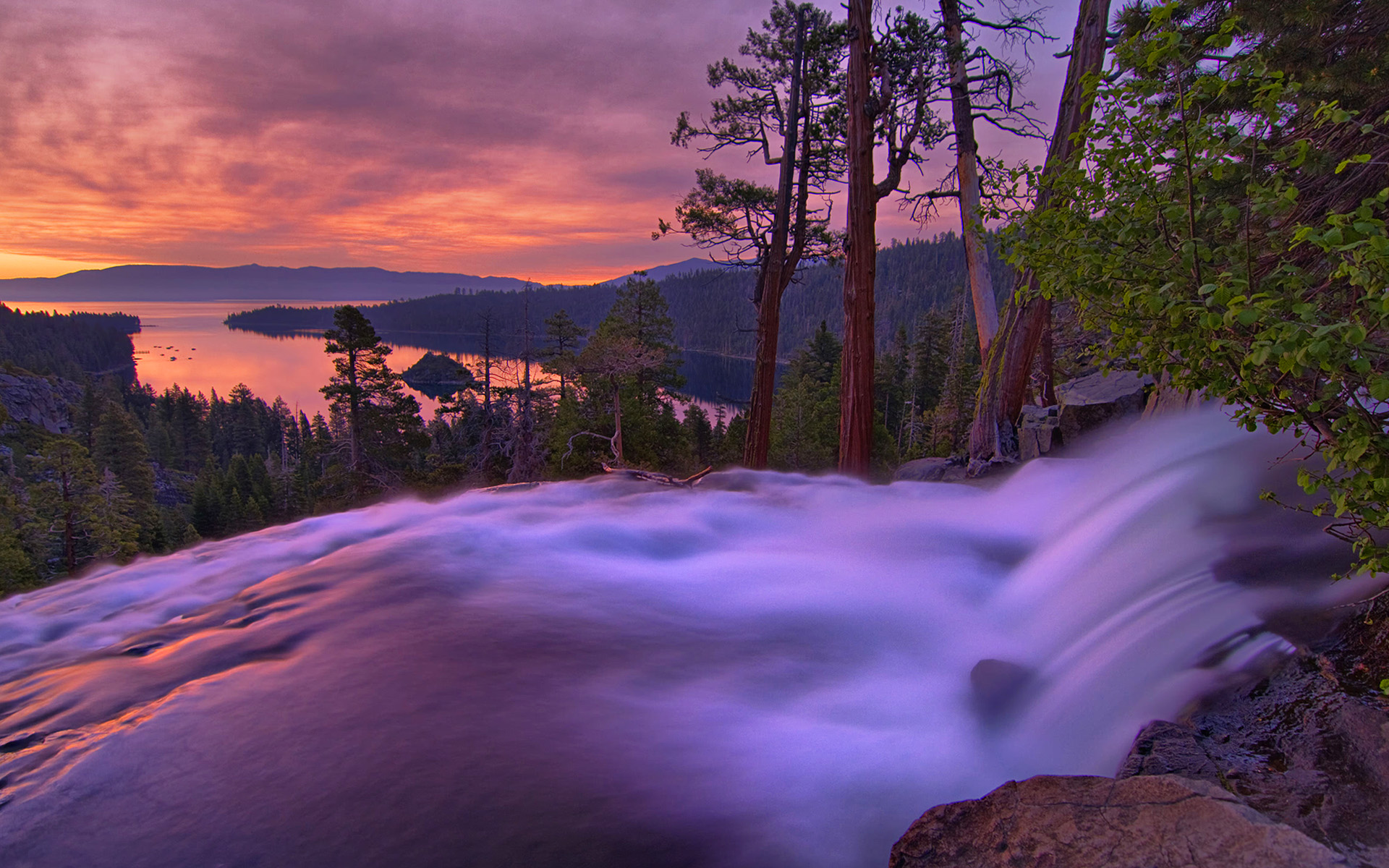 Fall Hd Wallpapers For Mac Eagle Falls And Emerald Bay At Sunrise At Lake Tahoe In